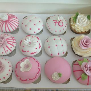 Pretty cupcakes  - Cake by Sweet Lakes Cakes