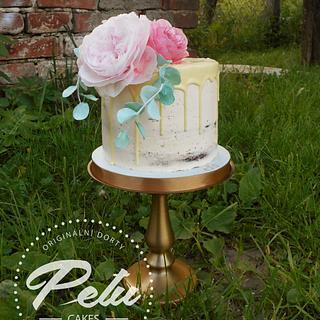 Seminaked cake, wafer paper flowers