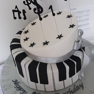 Piano 80th birthday cake - Cake by Scrummy Mummy's Cakes
