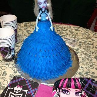 Monster High Princess cake