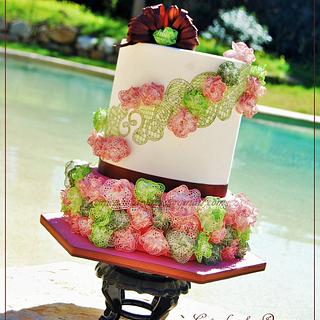 """""""RUNWAY LACE"""" - CAKE CENTRAL MAGAZINE -  VOL.6 ISSUE 2"""