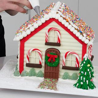My 10 favourite Gingerbread Houses! - Cake by HowToCookThat