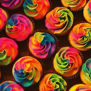 Fun Tie-Dyed Cupcakes