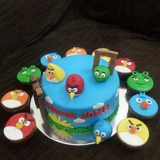 Angrybird - Cake by Rovi