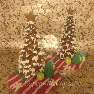 Gifts around a gingerbread tree  - Cake by Cupcandi Cupcakes