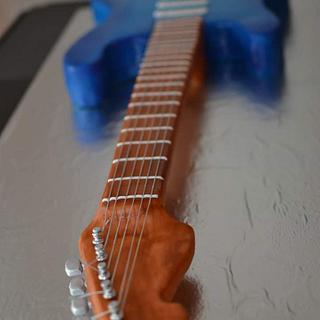 Real size electric guitar cake - Cake by Mycakecorner