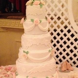 Pink & Ivory Roses Wedding Cake