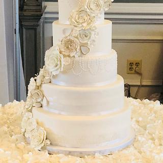 Classy Elegance Wedding Cake