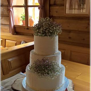 Natural wedding cake