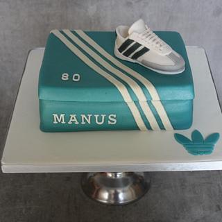 Sport-shoebox - Cake by Bonzzz