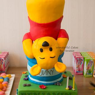 Winnie the Pooh armature cake & sweet table
