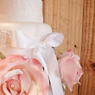 Lace, bows and roses - Cake by Cake Supreme Ipswich