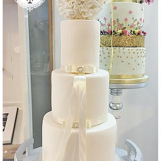 The Traditional Wedding Cake