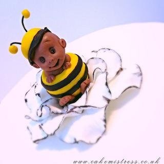 Baby bee baby shower - Cake by Nuria Moragrega - Cake Mistress