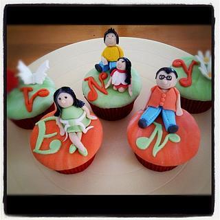 figures cupcakes