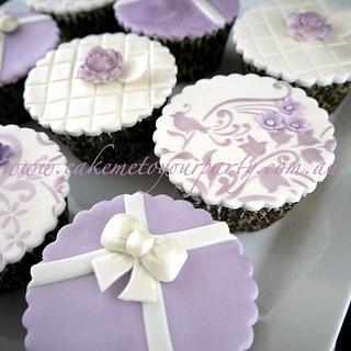 Elegant Mauve Cupcakes