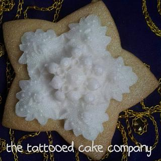 Snowflake lace cookie
