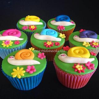 Snail cupcakes