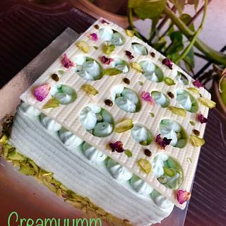 Indian Fusion Cake  - Cake by Creamyumm