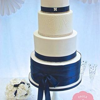 'Cassandra'   2ft wedding cake - Cake by Paulacakecouture