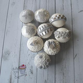 Silver, Grey & White Cupcakes