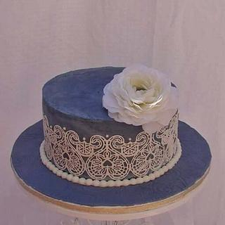 Sugar lace cake