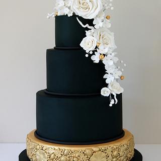 Black & Gold Wedding Cake