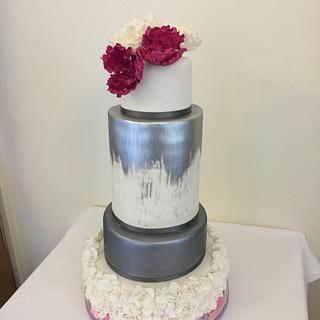 Gunmetal and fushia wedding cake