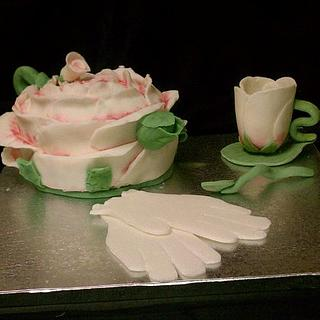 Rose teapot cake and accessories