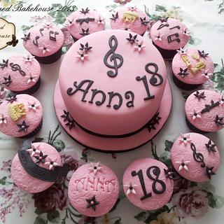 Musical cake & cupcakes - Cake by Charmed Bakehouse