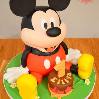 Mickey Mouse - Cake by Strawberry Lane Cake Company