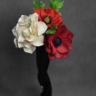 Chocolate flowers. Gardenia,  Poppies, Anemone - Cake by JarkaSipkova