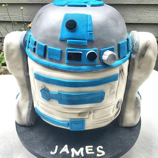 Straight out of the battle... R2D2 - Cake by Live Love n Bake