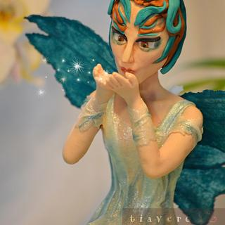 """Collaboration """"Away with the fairies"""" - Cake by Verónica García"""