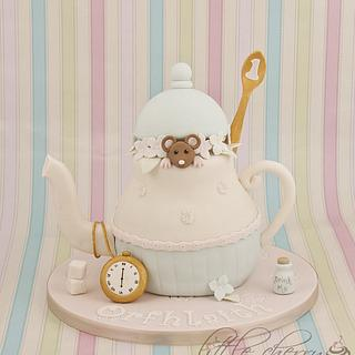 Dormouse and the Teapot - Cake by Little Cherry