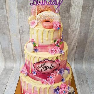 Donut chocolate drip cake / taart