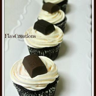 Dark Chocolate Hershey's Nugget's Cupcakes