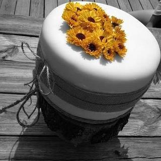 Rustic Fall Wedding - Cake by CakeYourself