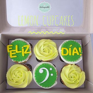 Cupcakes Cumpleaños Medellín - Cake by Giovanna Carrillo