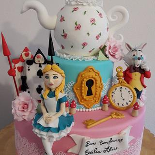 Alice in wonderland - Cake by silviacucinelli