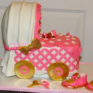 A BASSINET CAKE