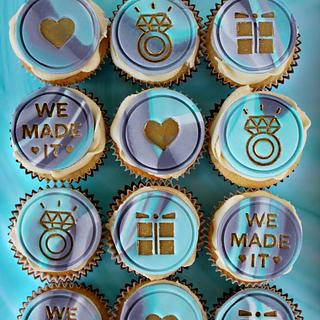 Engagement Cupcakes with Grey and Turquoise marbled fondant and gold detailing