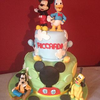 Mickey mouse hause cake
