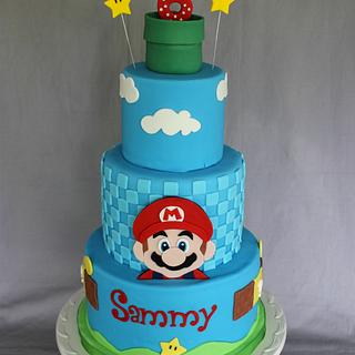 Super Mario Birthday Cake & Cupcakes