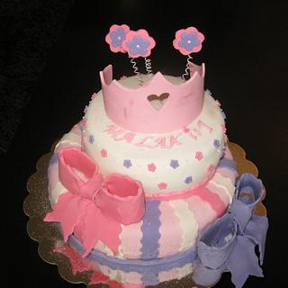 Crown cake.