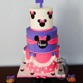 Pink and purple Minnie mouse