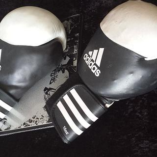21st glove for Bryce