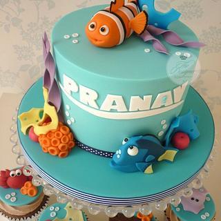 Finding Nemo birthday cake & cupcakes