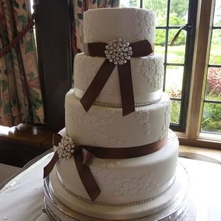 Vintage blossom wedding cake