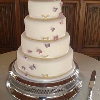 Simple butterflies wedding cake